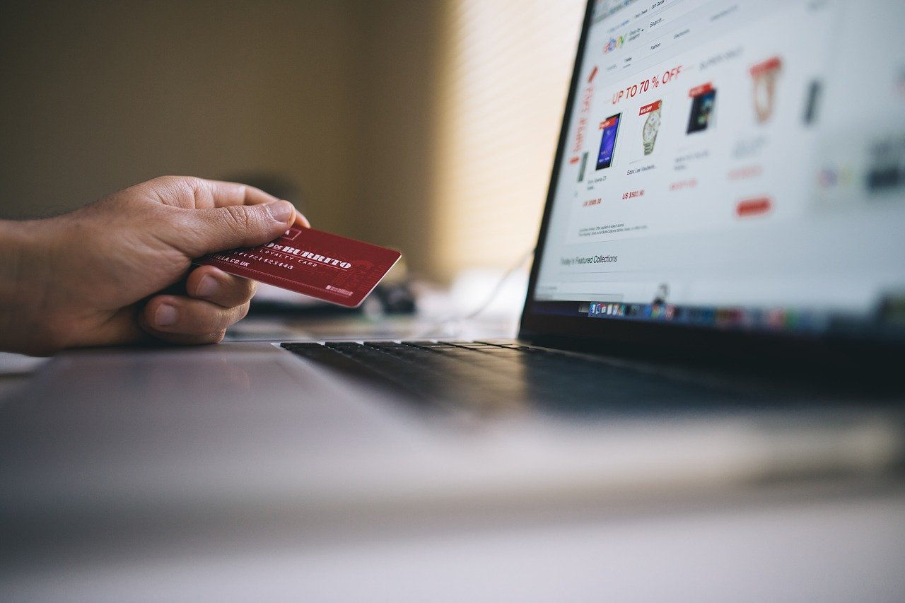 How to Use Your Credit Card the Right Way